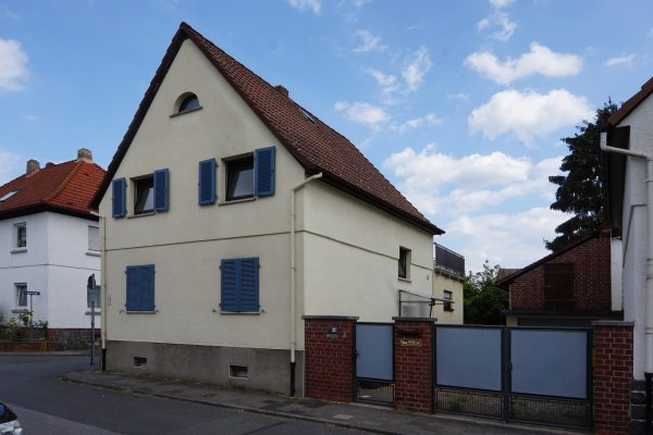 Aufschiebling im Dach und Fensterläden - Stilmittel im Altbau