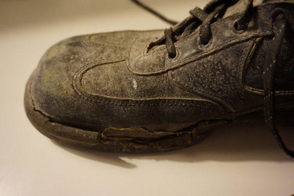 Meine Schuhe aus dem Solar Decathlon 2009 - geliebt, geklebt - nicht mehr sicher