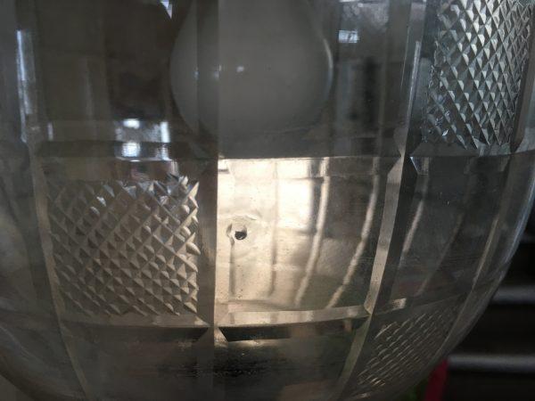 Unregelmäßigkeit in der Glas-Laterne