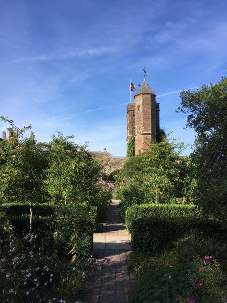 Sissinghurst Castle Garden - Blick auf den zentralen Turm