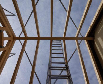 Dachdämmung – oberste Geschossdecke oder Sparrendämmung?