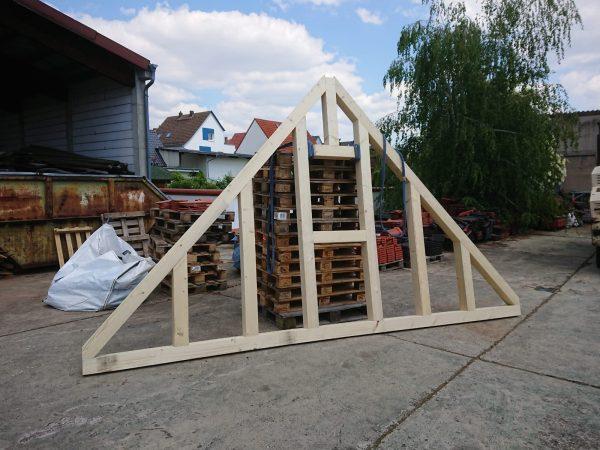 Unsere zukünftige Giebelwand zum Garten entsteht im Holzrahmenbau
