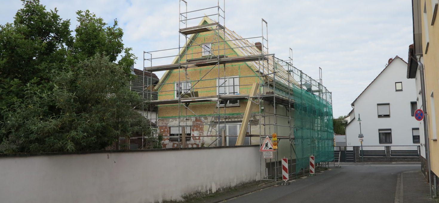 Baufortschritt – Dach, Fenster, Fassade