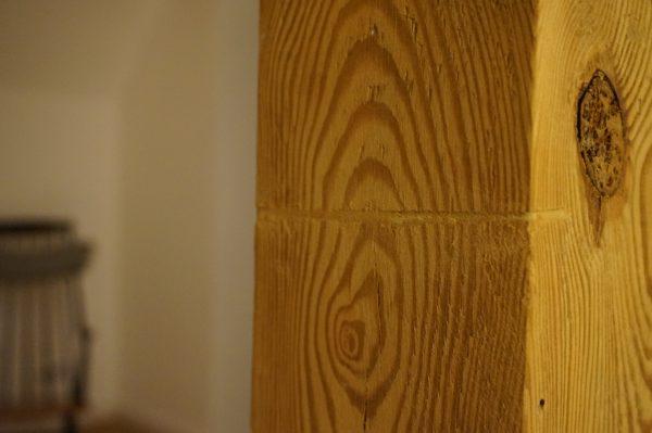 Schäden durch Entfernung alter Bauteile - hier ein Türrahmen